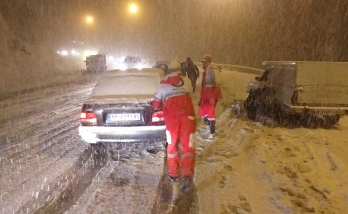 امداد رسانی در برف