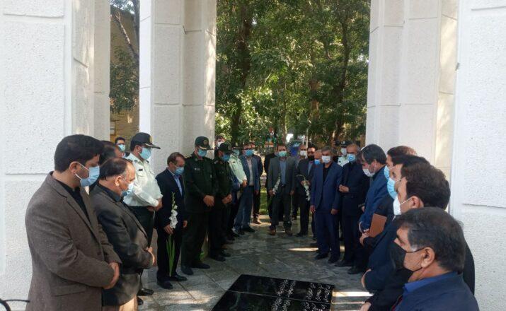 ادای احترام مسئولان شهرستان نمین به شهدای گمنام